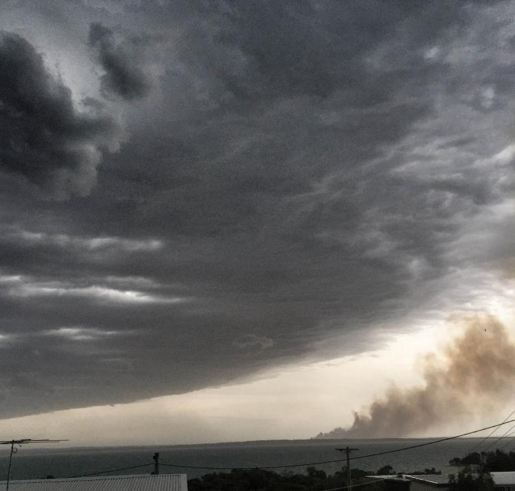 A cool change approaches the 2015 Hastings fire in Victoria. Photo: Glenn Thompson