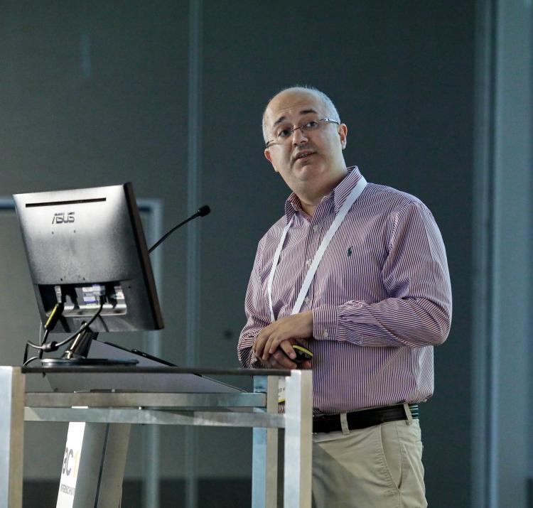 Prof Mehmet Ulubasoglu presenting at AFAC17 powered by INTERSCHUTZ. Photo: BNHCRC