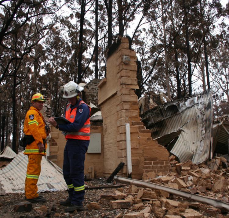 community bushfire safety h andmer john haynes katharine