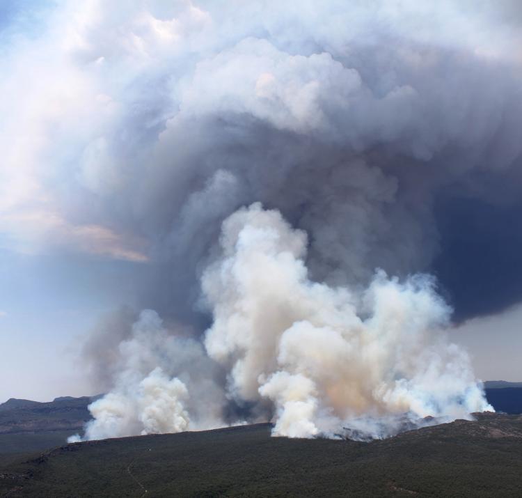 A large smoke plume from the 2014 Grampians bushfire. Photo: Wayne Rigg, CFA