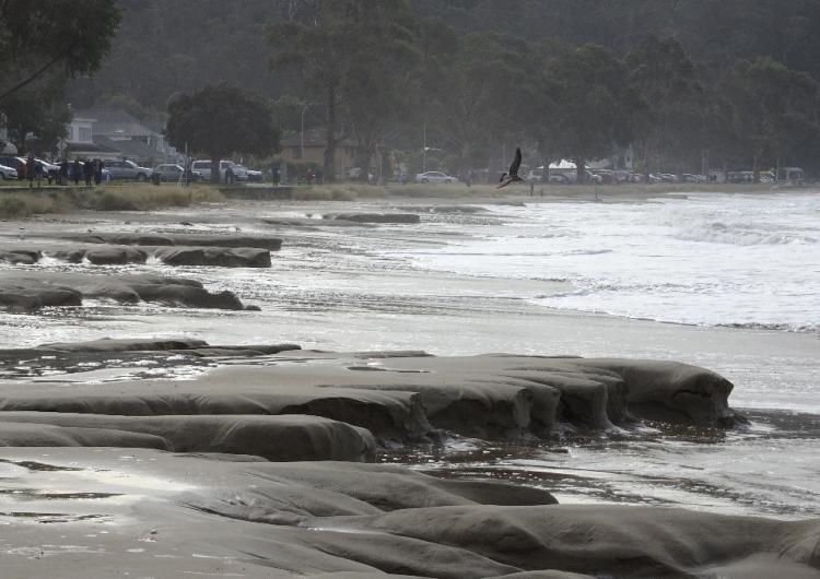 Temporary erosion at Kingston Beach, Tasmania. Photo: Tim Ramm