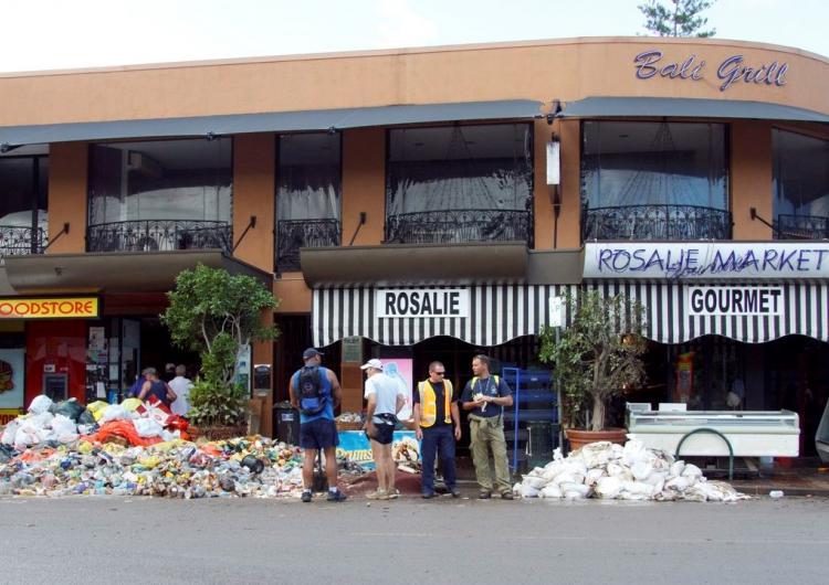2011 Brisbane floods, Rosalie Market. Photo: Angus Veitch (CC BY-NC 2.0)