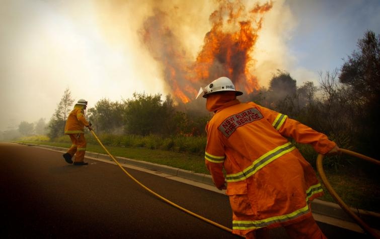 Belrose hazard reduction in 2011. Credit: NSW RFS Media services CC BY NC-ND 2.0
