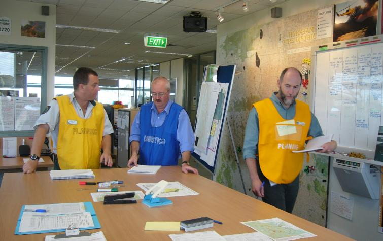 Decision making during the Bomjinna fire, Victoria. Photo: Laurie Anticaglia.