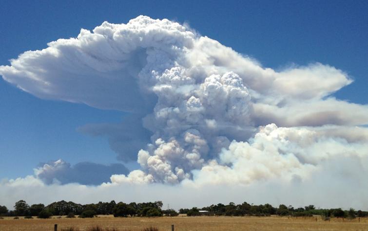 Waroona fire. Photo: Neil Bennett, Bureau of Meteorology