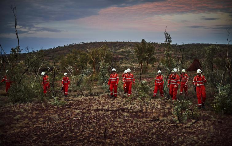 SES volunteers performing a search. Photo: Department of Fire and Emergency Services WA