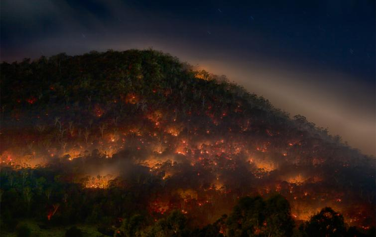 Hobart prescribed burn, May 2013. Photo: Mike Rowe (CC BY-NC 2.0)