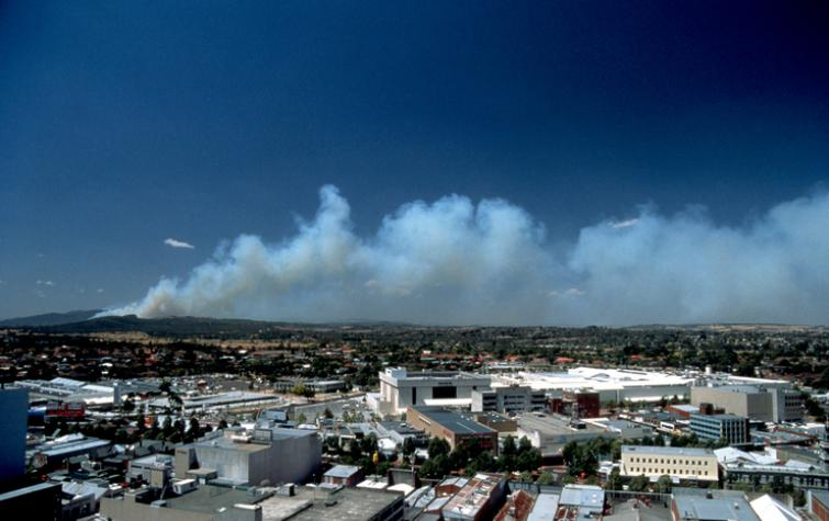 Smoke plume from a distant bushfire. Photo: Atmospheric Research.