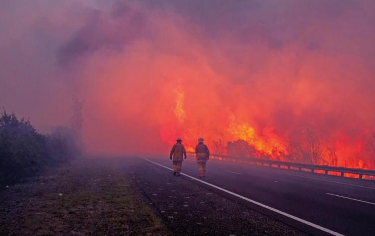 Tasmania bushfires, February 2016. Photo by Mick Reynolds, NSW Rural Fire Service