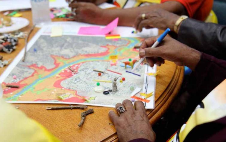 Mapping impacted areas during a flood workshop. Photo: Yoko Akama RMIT.