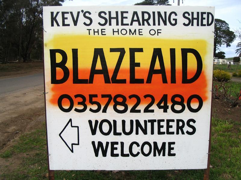 Since the 2009 Black Saturday bushfires, spontaneous volutneering has been on the rise. Photo: BlazeAid