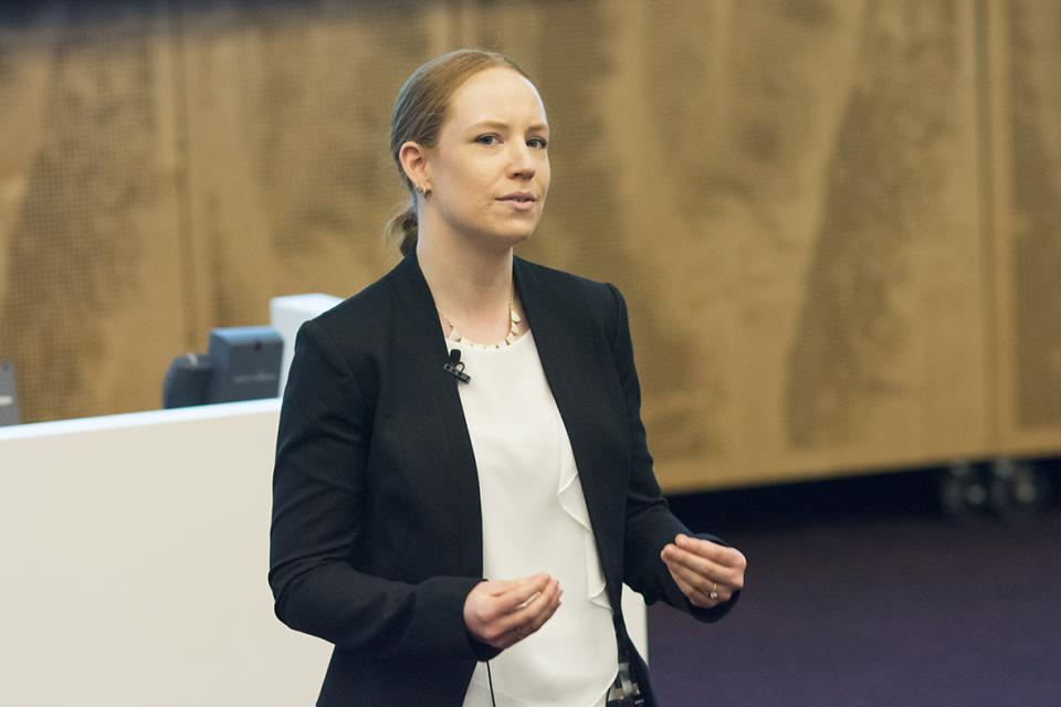 Emma Phillips presenting her 3MT. Photo by Macquarie University