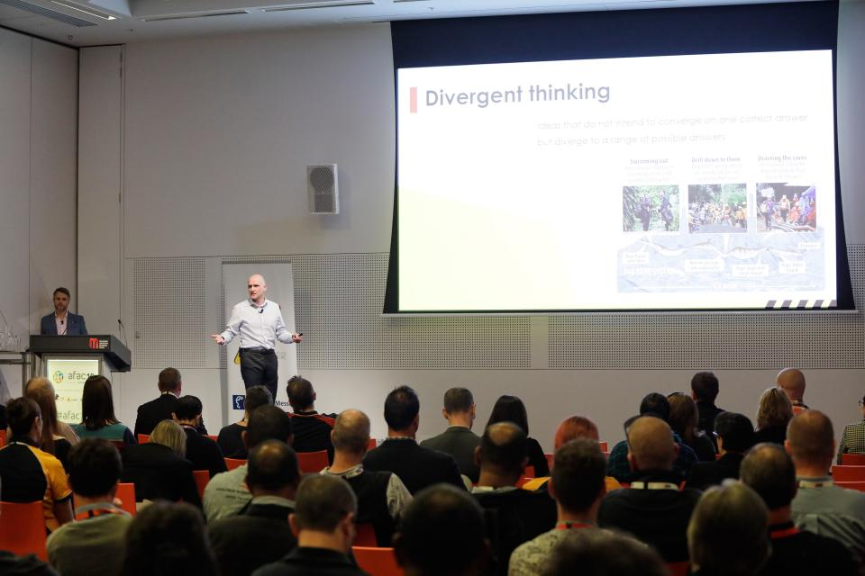 Dr Steve Curnin and A/Prof Ben Brooks present their research at the AFAC19 conference.