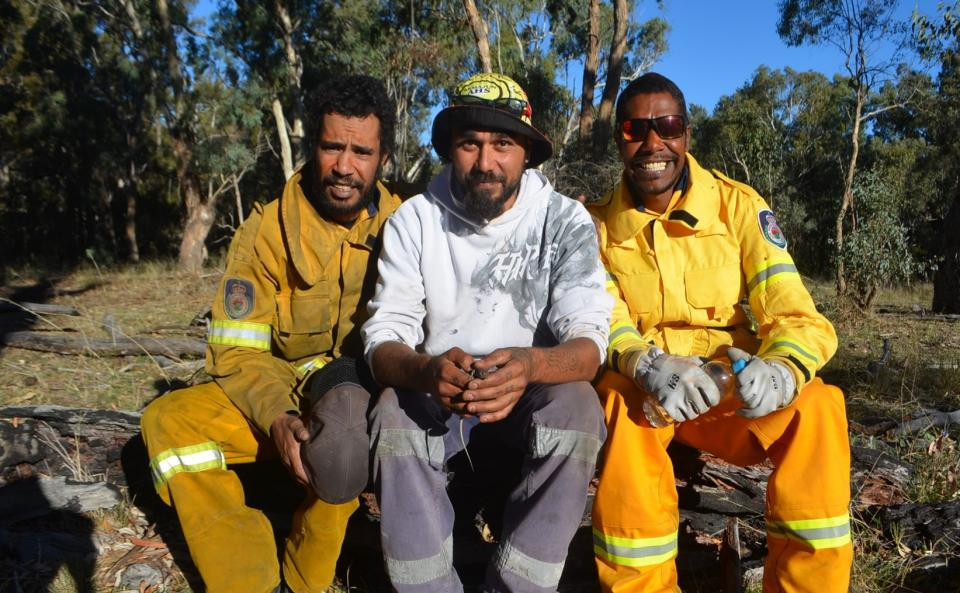 NSW Rural Fire Service volunteers and community members undertaking cultural burning. Photo: Michelle McKemey