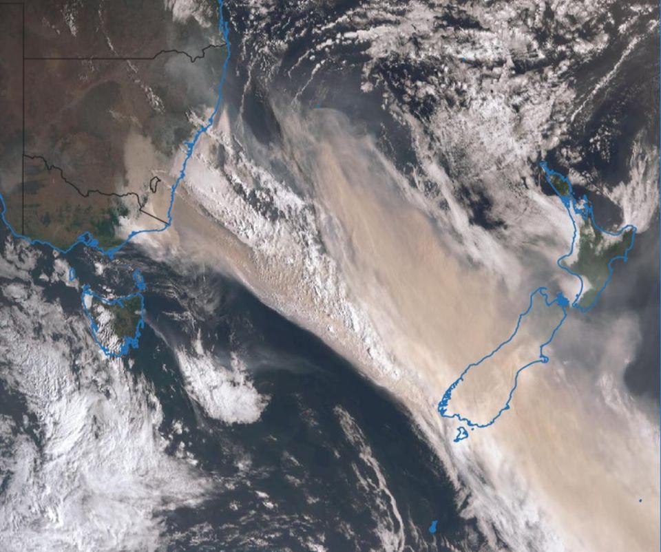 Satellite image of smoke on 1 January 2020 from Himawari 8.