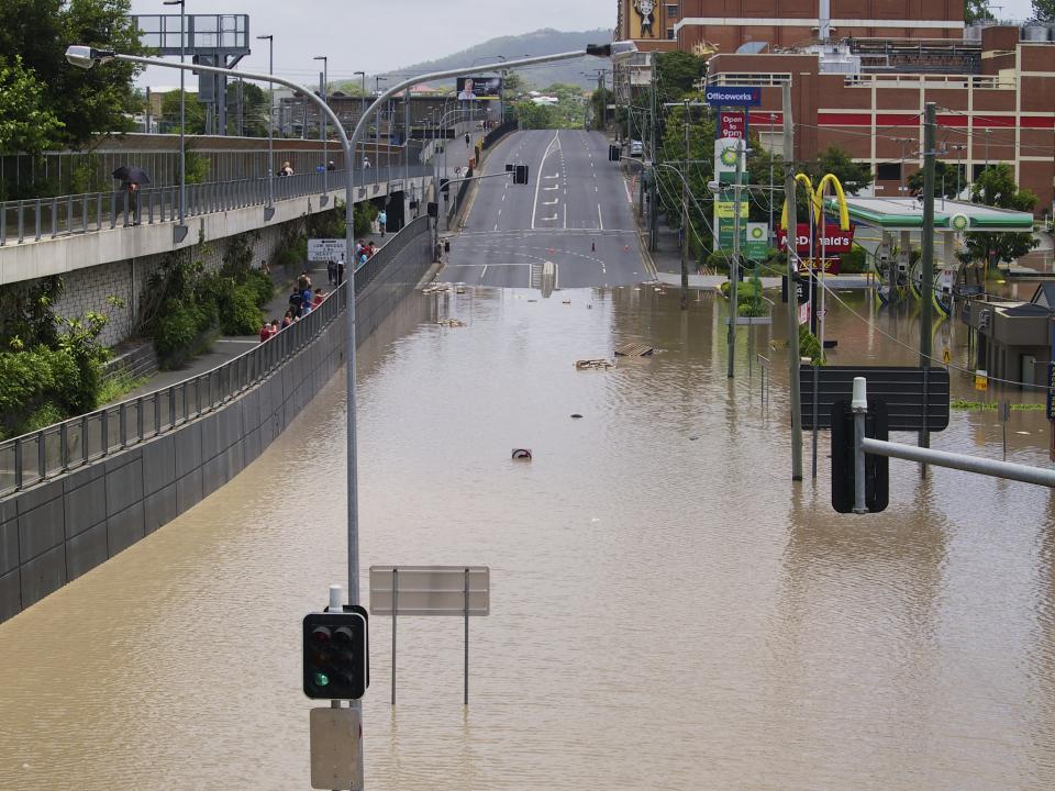 Milton Road, Brisbane, following the January 2011 floods in Queensland. Photo: Erik K Veland (CC BY-NC 2.0)