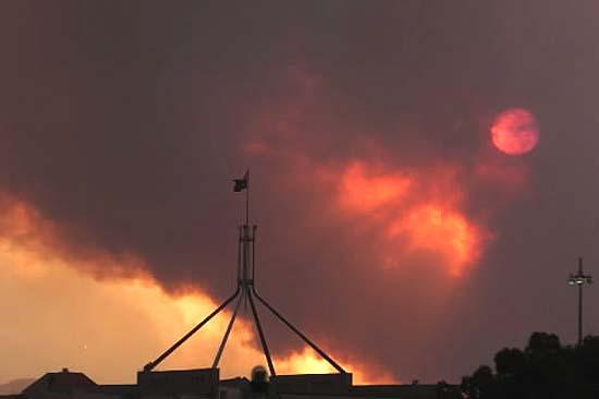 This project looks at models and tools to manage bushfires across the state