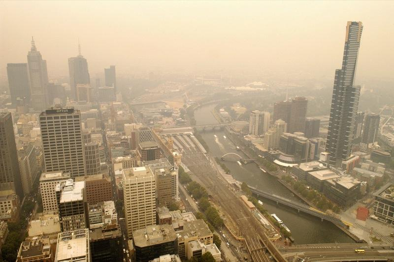 Bushfire smoke above the skies of Melbourne. Photo: Rusty Stewart (CC_BY-NC-ND_2.0)