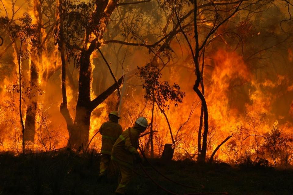 Strategic decisions on resources, prescribed fire management and community warnings have for the past 16 years been underpinned by the Bushfire and Natural Hazards CRC's Seasonal Bushfire Outlooks. Photo: South Australian Country Fire Service