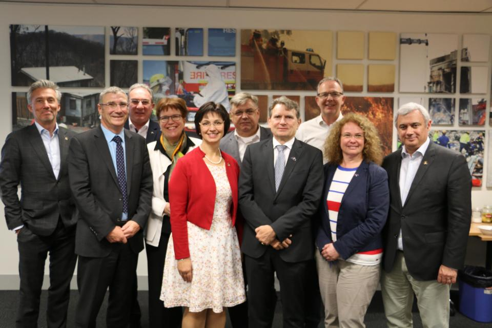CRC CEO Dr Richard Thornton (second from left) with European Union delegation. Photo: BNHCRC