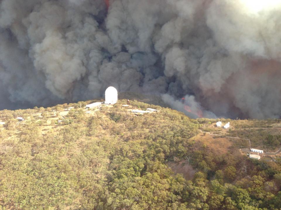 Siding Springs under fire threat. Photo: NSW RFS