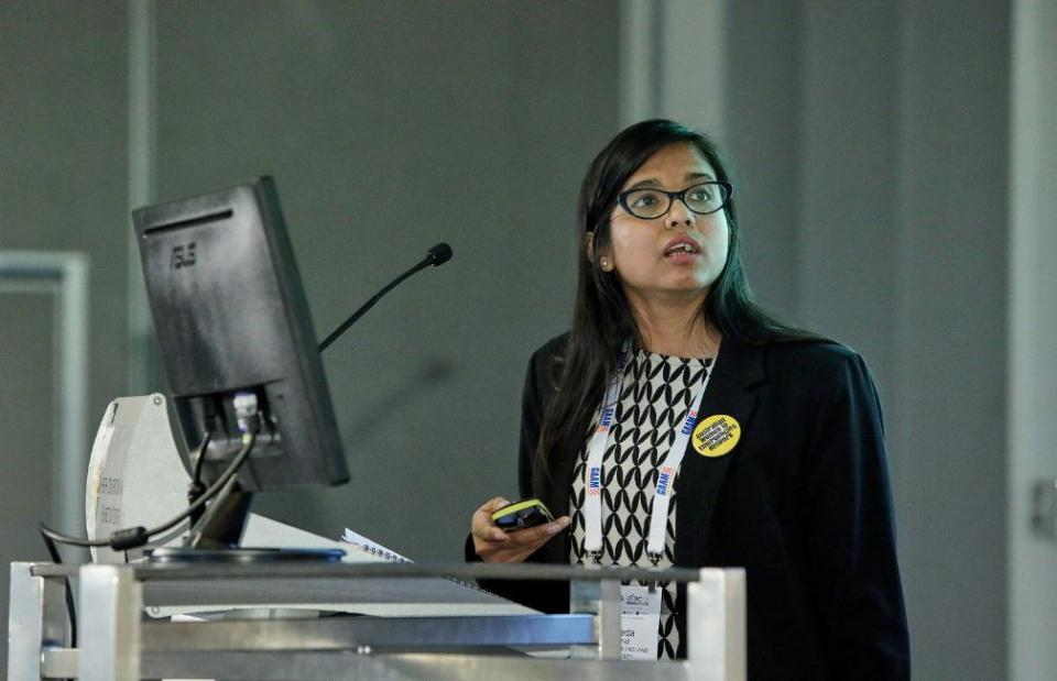 Mayeda presenting her research paper at AFAC18 powered by INTERSCHUTZ in Perth.